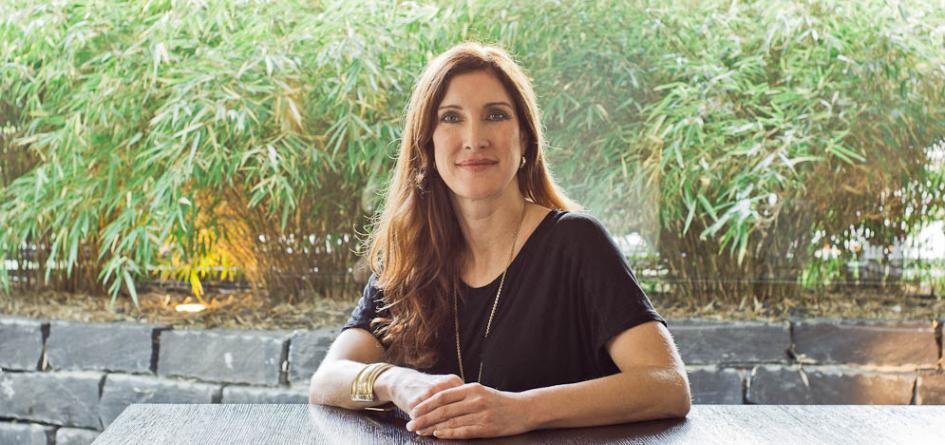 Tina Schürmann connects high class celebrities and the public eye